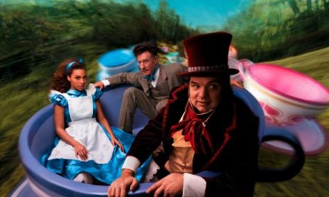 Disney Alice in Wonderland Beyonce Oliver Platt Lyle Lovett 475x285 Disney Dream Portraits   Wenn Stars zu Disneyfiguren werden...