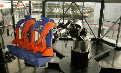 Der Vorgänger der fliegenden Bank: G1 Roboter von Robocoaster