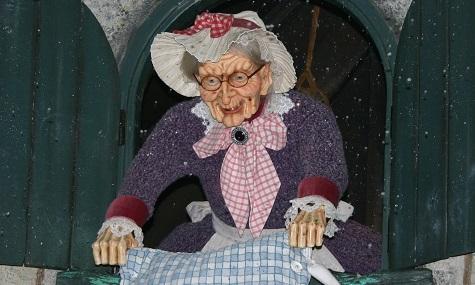 Frau Holle in Efteling.