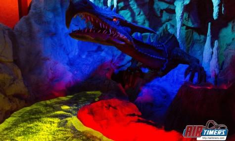 Die mutigen Gäste müssen sich unter anderem diesem hungrigen Drachen entgegenstellen - Anklicken zum Vergrößern!