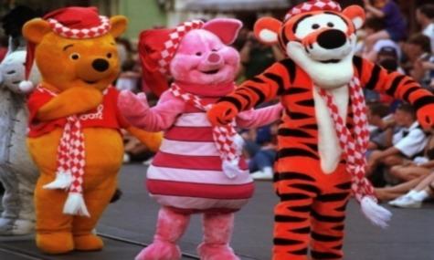 Winnie the Pooh und Tigger auf der Suche nach ihrem nächsten Opfer.