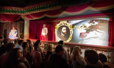 Die Habsburger präsentieren in einem lustigen Dialog ihren Stammbaum