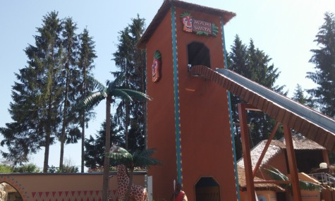 Der Turm von Mami Wata ist ein neues Wahrzeichen von Fantasiana - Anklicken zum Vergrößern!