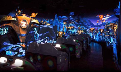 Auch die Thematisierung von Buzz Lightyear Planet Rescue im Tomorrowland kann sich sehen lassen