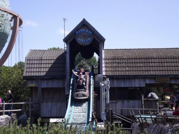Angehängte Bilder: Ripsaw Falls Small Drop frontal.JPG
